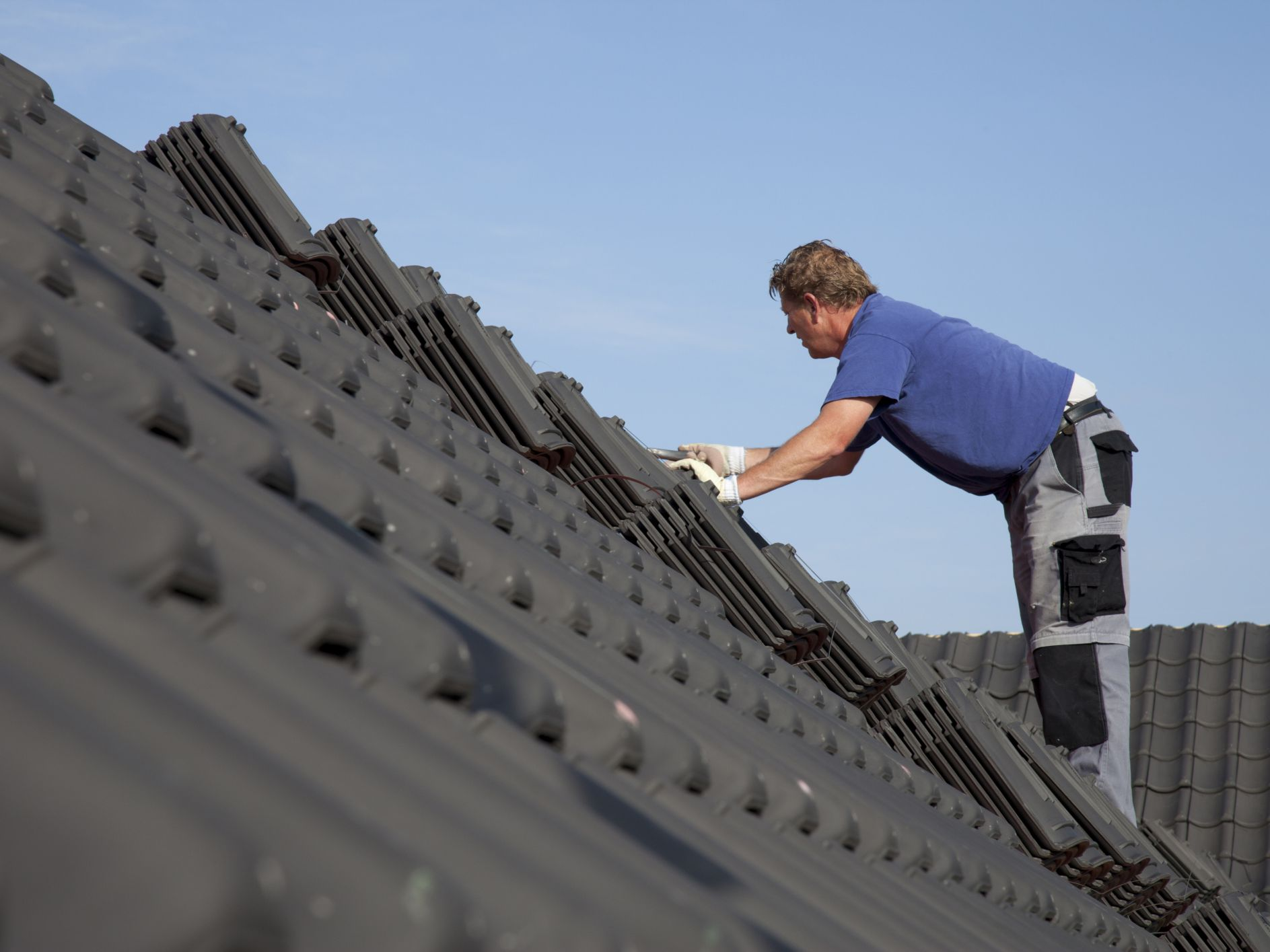 3 differences between commercial roofing and residential roofers in Florida