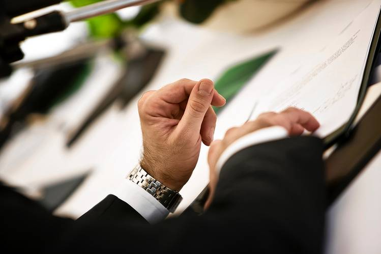 Credentials to Look for in a Financial Adviser - WSJ