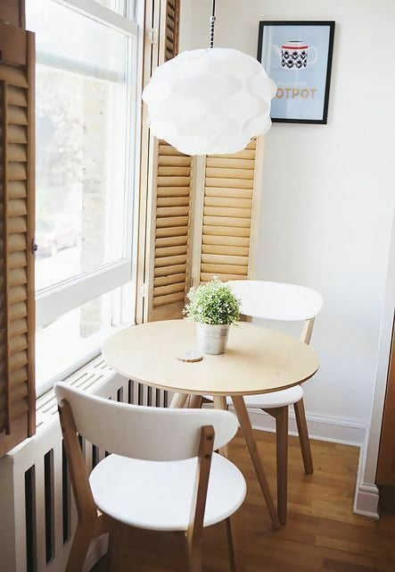 Here is a simple and very small breakfast nook idea made possible by the natural