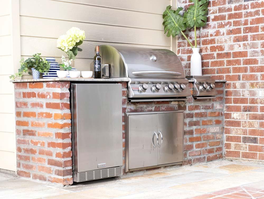 Outdoor Kitchen Layout Tips: Zones : BBQGuys